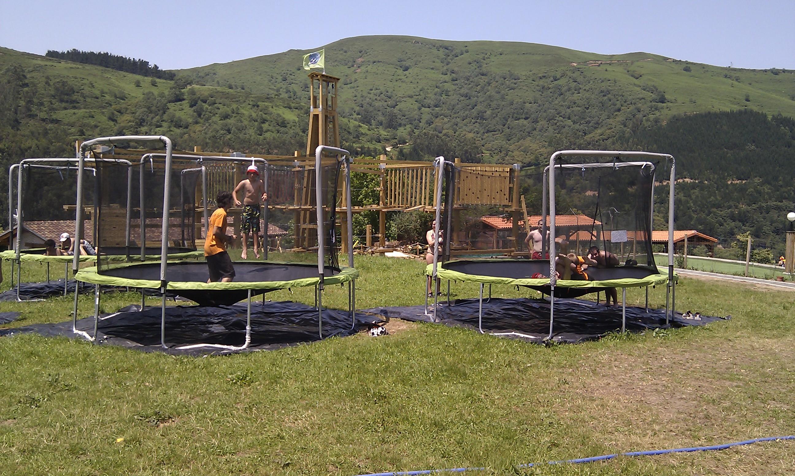 camas_elásticas_Cantabria_Parque_multiaventura_ocio_juegos_cabuerniaventura
